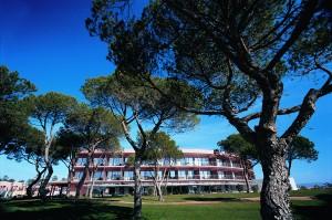 Vila Sol Hotel Main Building