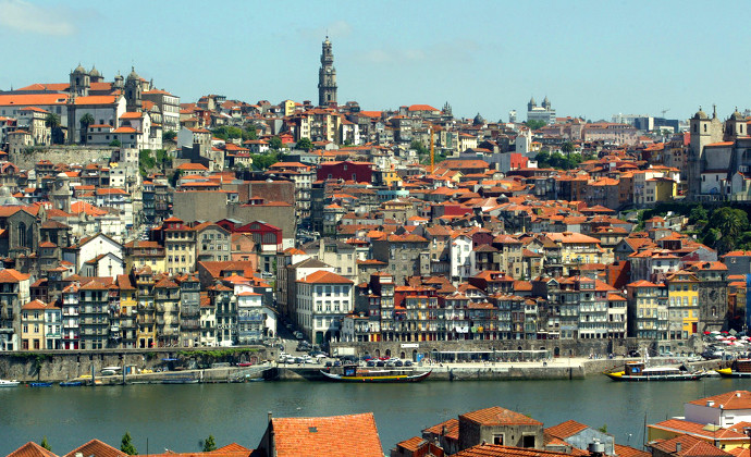 Tee Times Portugal Holidays - Oporto City View - Torre dos Clérigos