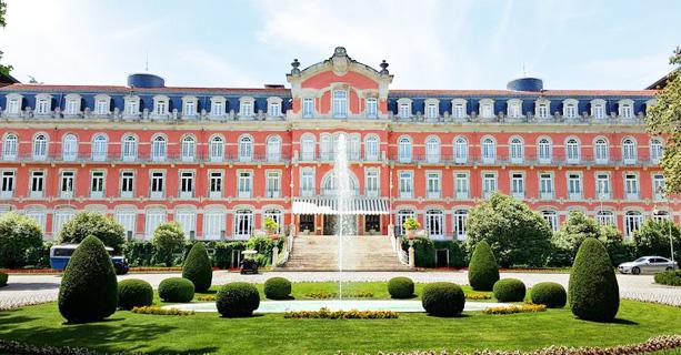 Vidago Palace Hotel. Incredible Autumn Golf Resort Offers.