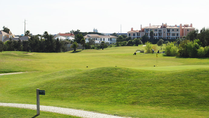 Portugal Golf Courses | Quinta da Beloura - Photo 9 Teetimes